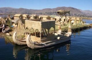 Isla de los uros hecha con Totora
