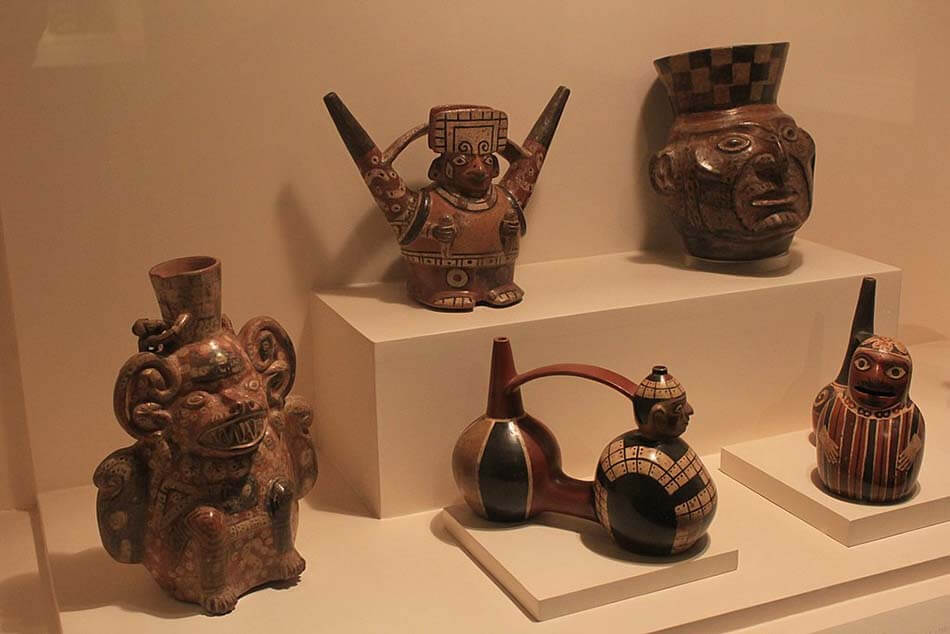 piezas ceramicas del museo larco herrera
