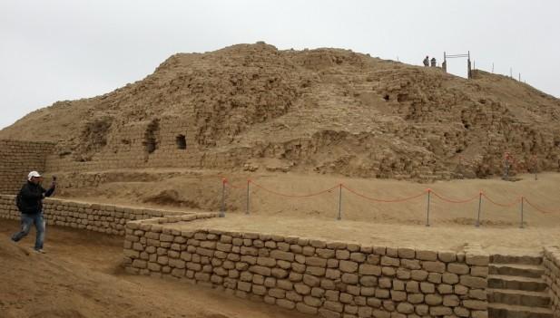 Photo of Castillo de Huarmey: Un increíble sitio arqueológico de los Huaris