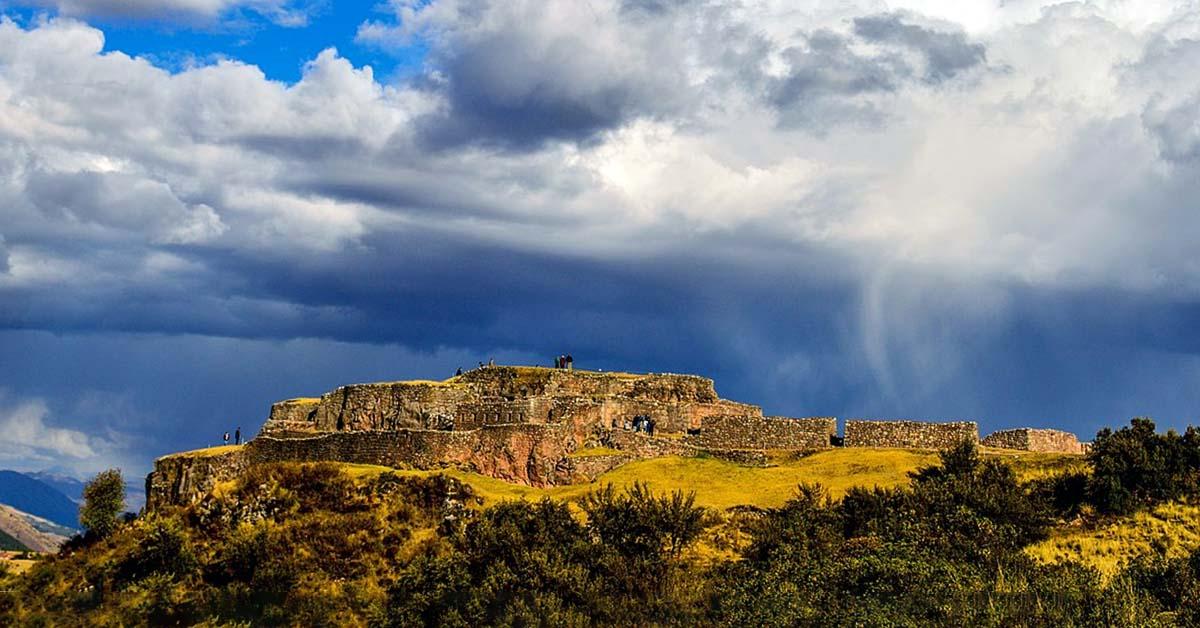 Sitio Arqueológico de Puca Pucara  en Paucartambo Cusco