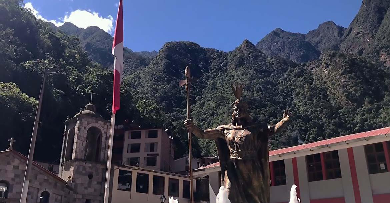 Photo of Aguas Calientes – Disfruta de sus aguas termales y la ciudad de los Incas