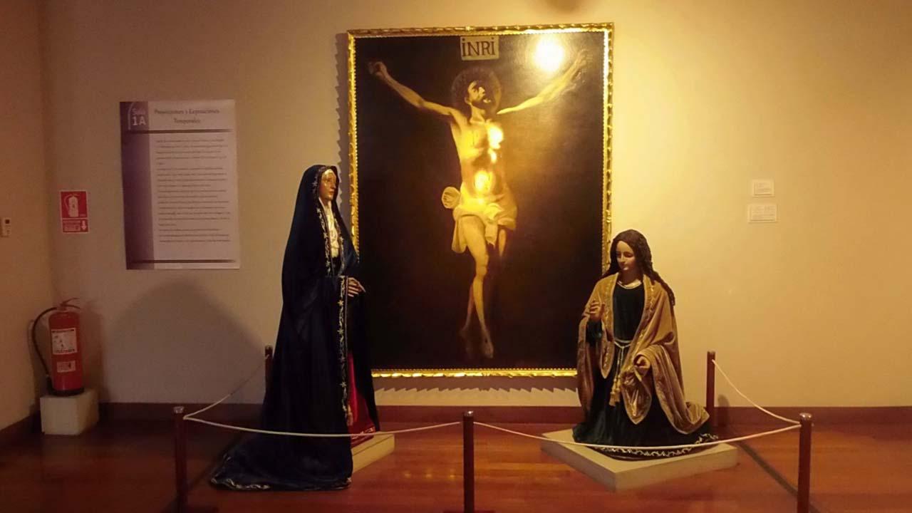 Cuadro Crucifixión en el museo del señor de los milagros