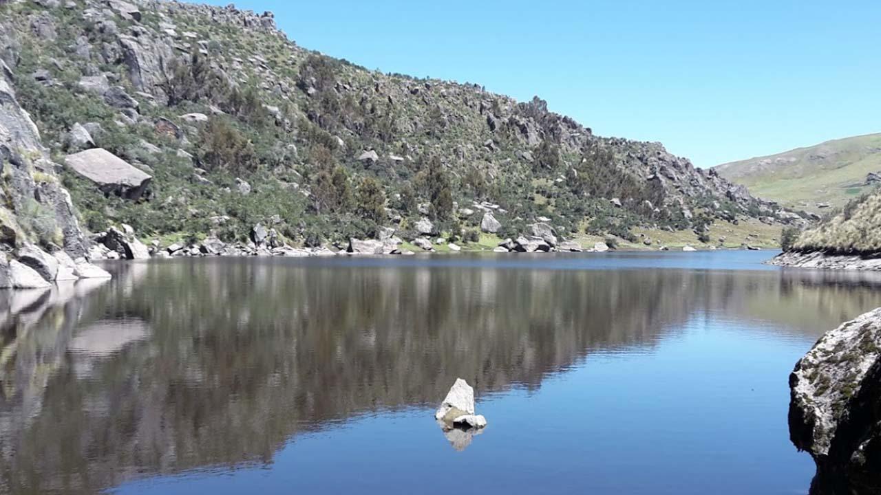 Laguna Ustunaqocha en la Comunidad de Huaraca Ayacucho