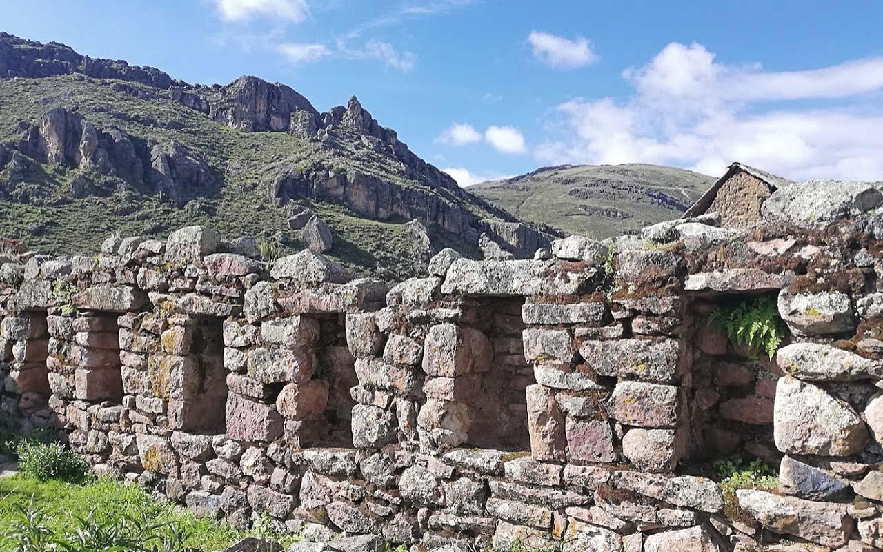 Sitio arqueológico De Incahuasi en Huanuco