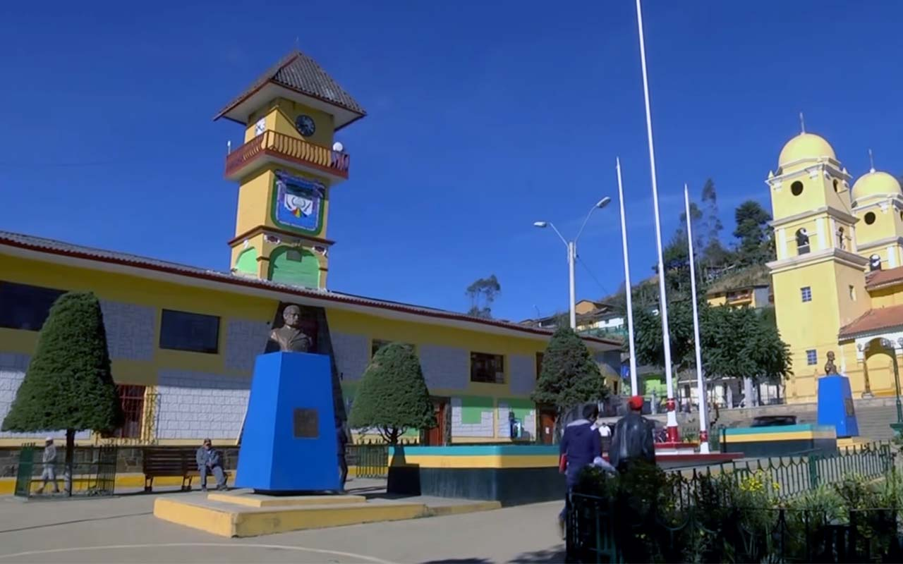 Plaza Central de Ayabaca